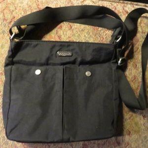Black medium Baggallini crossbody bag, nwot